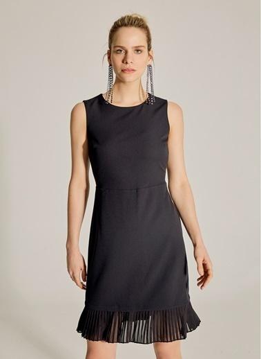 NGSTYLE Essentials - Pilise Detaylı Mini Elbise Siyah